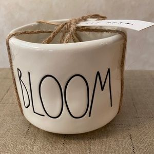 Rae Dunn BLOOM Planter